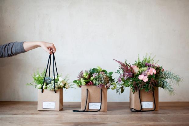 sally_hambleton_flowers_to_go_122129830_1800x1200