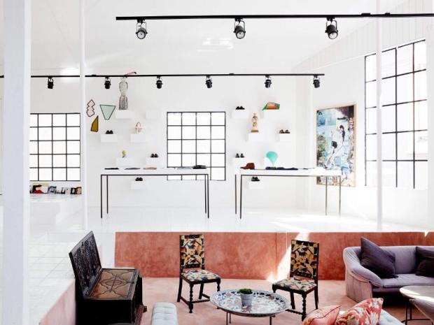 home-showroom-2--lg