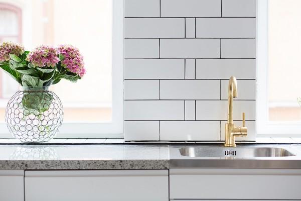 10-brass-sink-fixtures-600x400