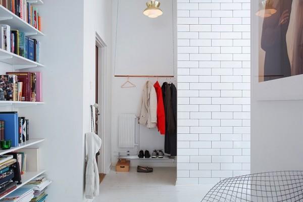 19-closet-without-doors-600x400