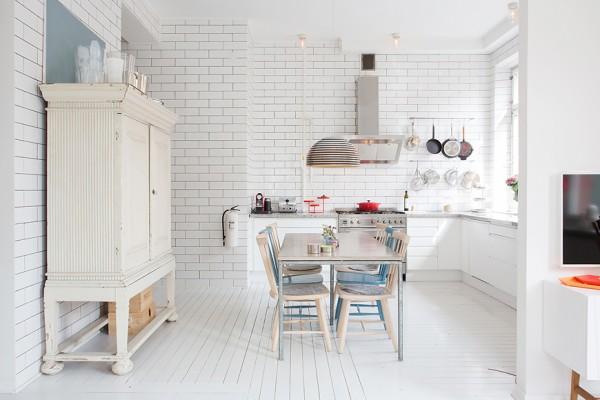 8-kitschy-modern-kitchen-600x400